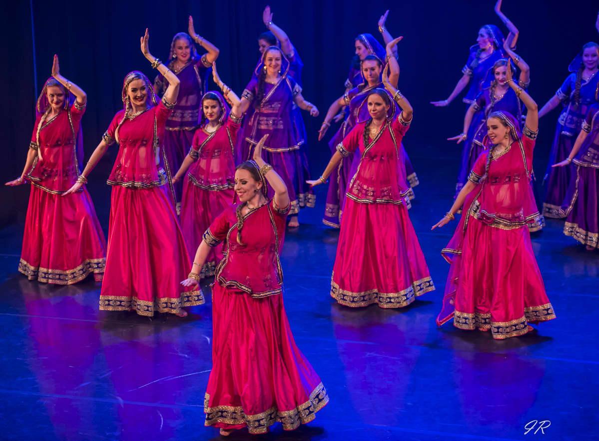 Tanssiryhmä Bollywood Kamlees