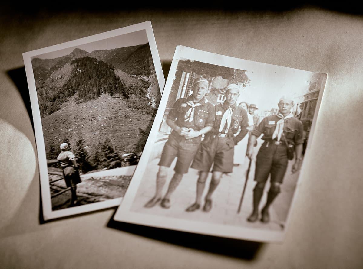 Kaksi kuvaa partiomatkalta . Vuoristoa ja katunäkymä. Partiolaisia.