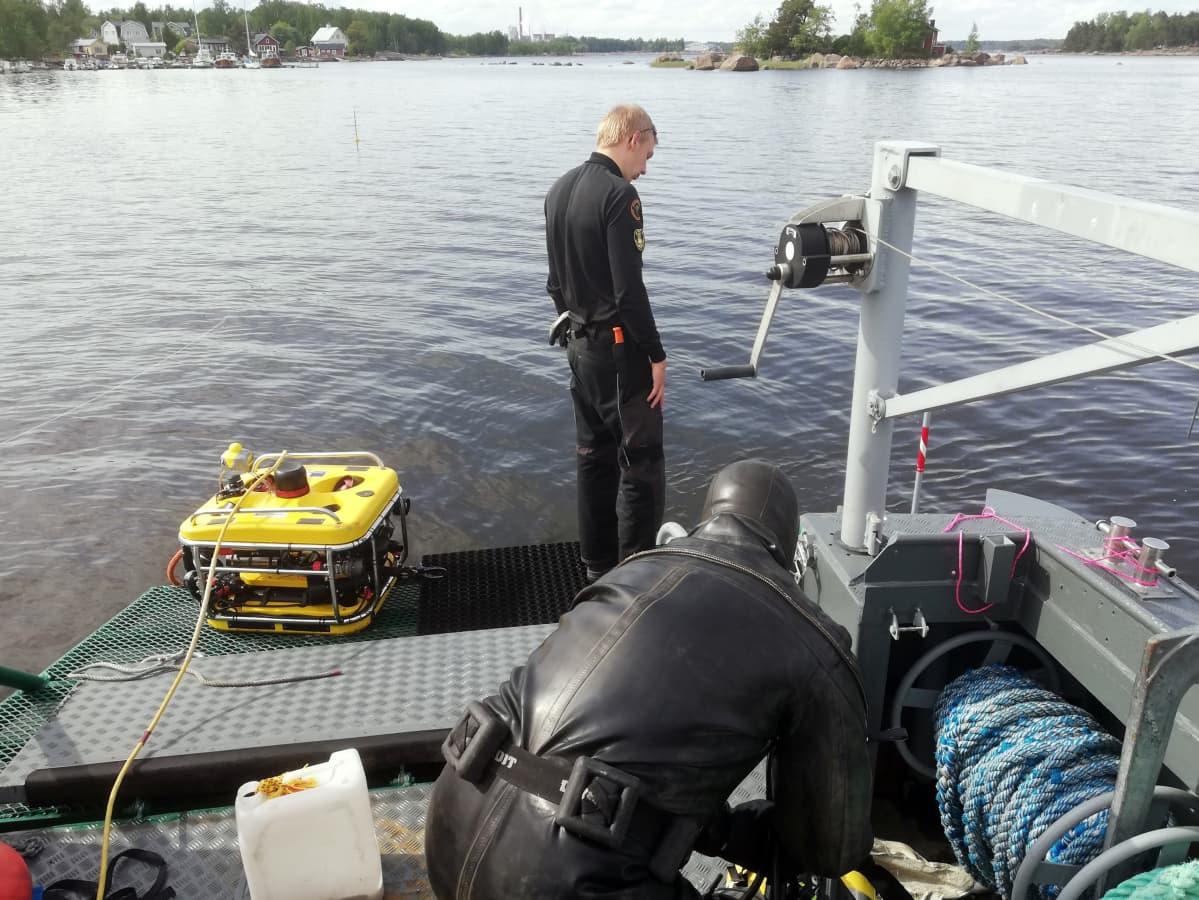 ROV-sukeltajat tekivät hylkysukellusta Kotkan edustalla.