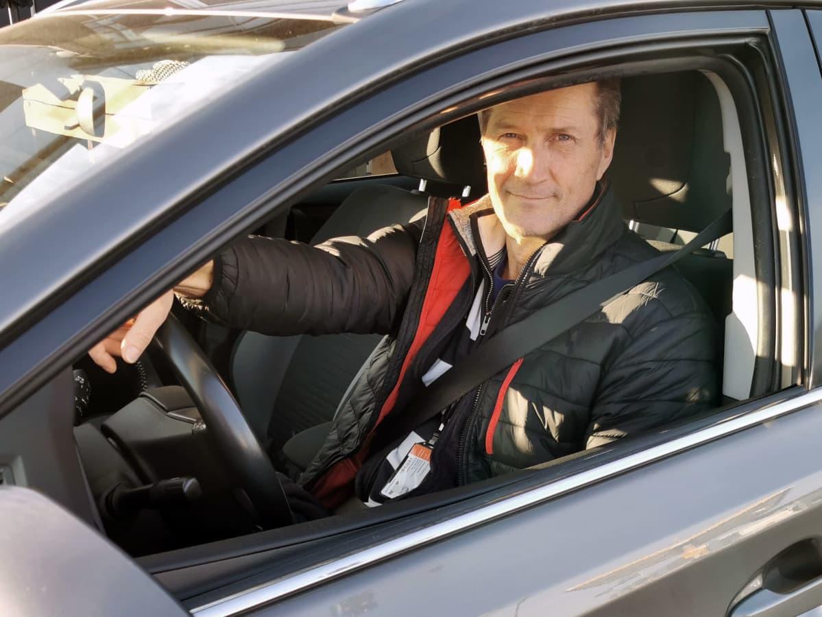 Harri Rasimus autossaan