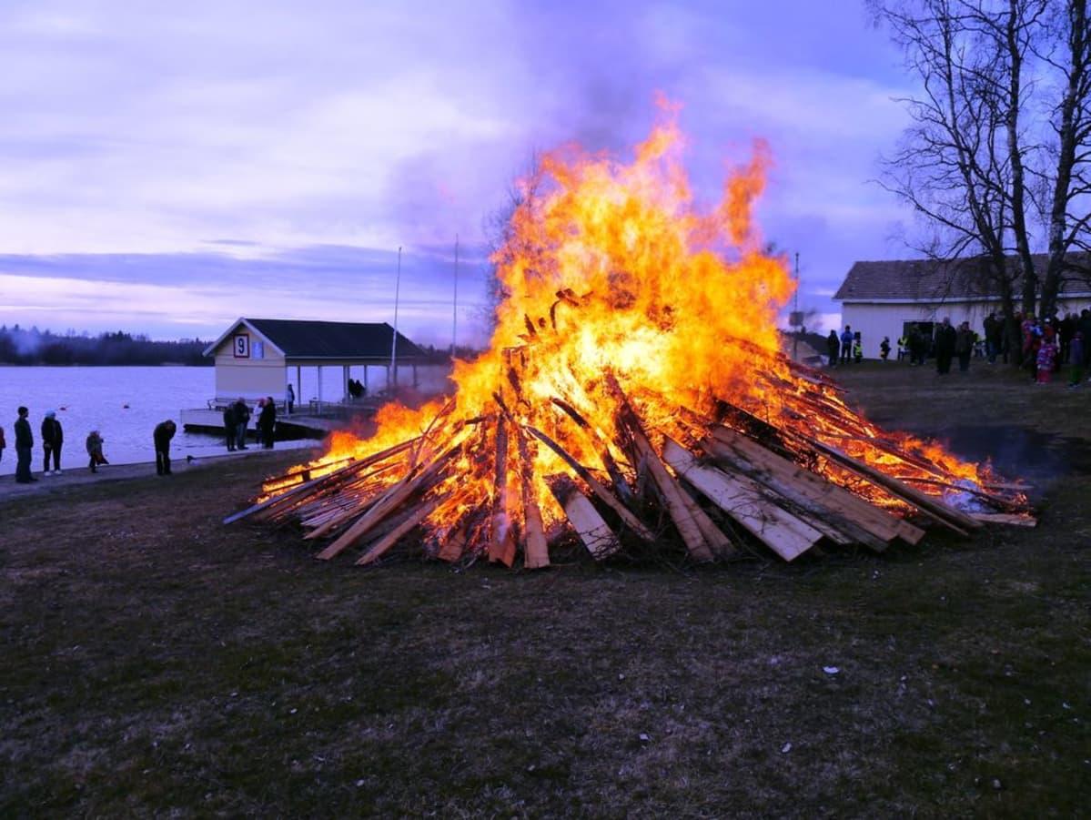 Pääsiäiskokko Kaskisissa 19.4.2014.