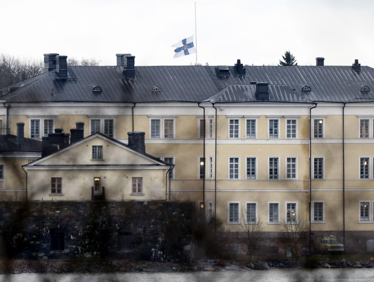 Suruliputus Merisotakoululla Suomenlinnassa Helsingissä.
