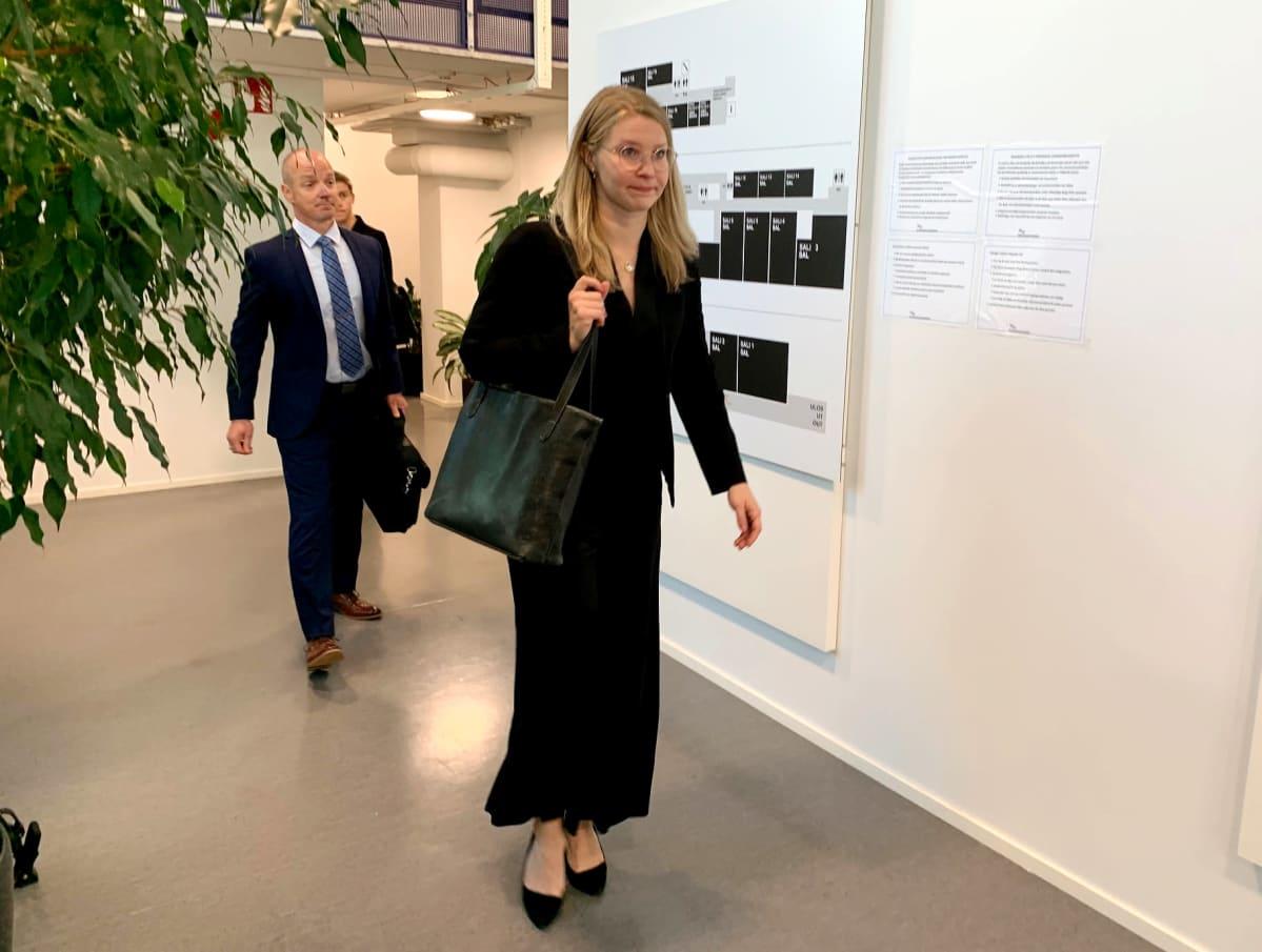 Puolustusasianajajat Petteri Kouhia ja Maria Lundström.
