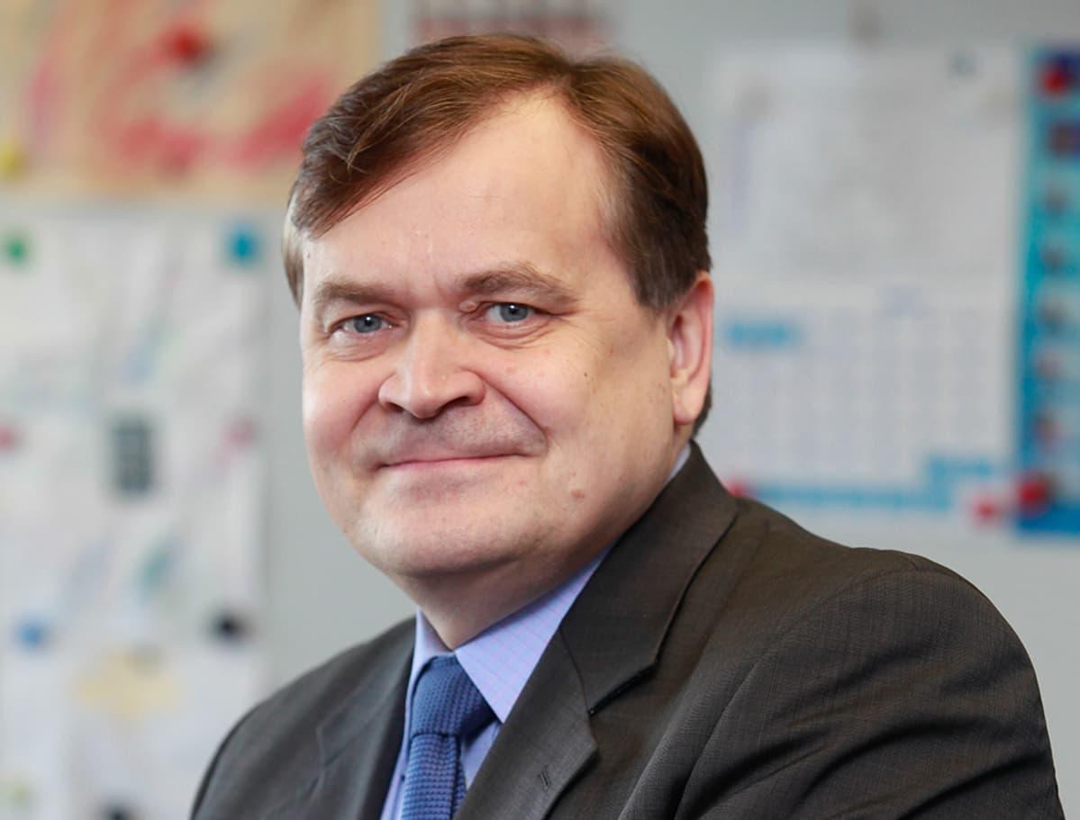 Timo Pesonen vastaa EU-komission puolustusteollisuuden ja avauusasioiden pääosastosta.