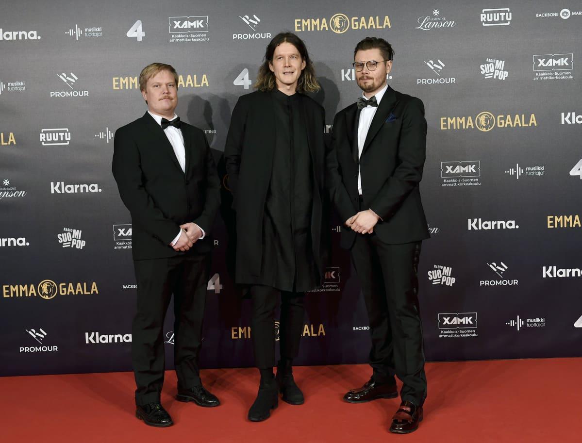 Pariisin kevät jäseniä musiikkialan Emma-gaalan punaisella matolla Helsingissä.