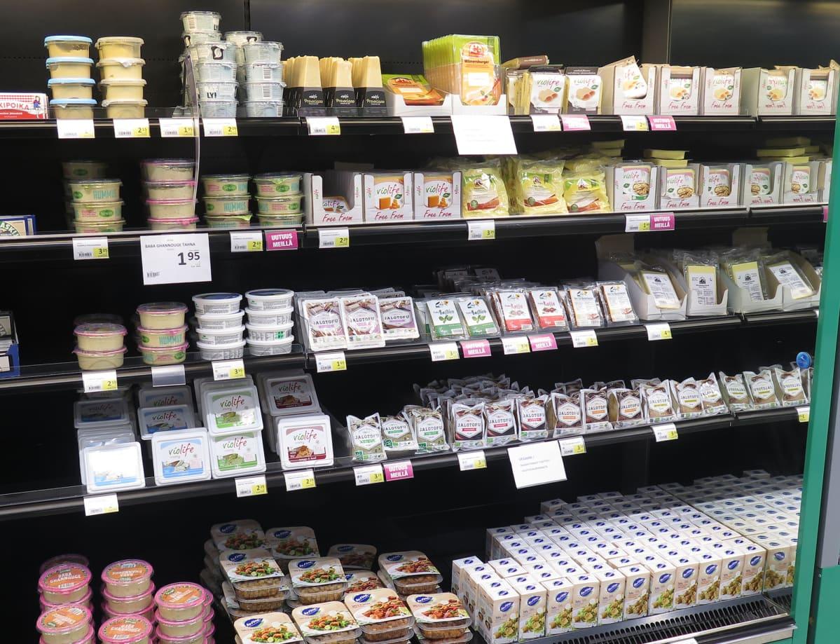 Kaupan vegaaniruokahylly.