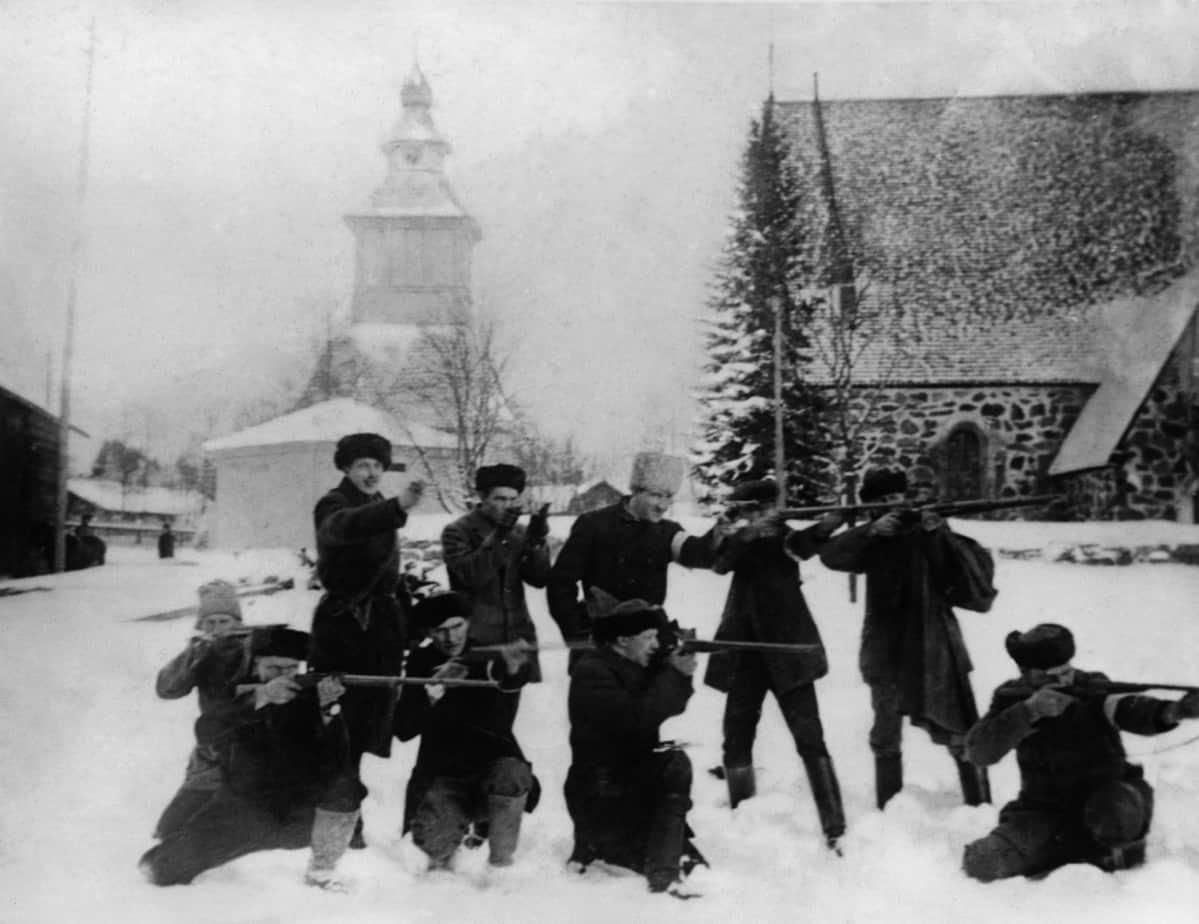 Valkoisten valmistautumista sotaan, Lammin suojeluskuntalaisia.