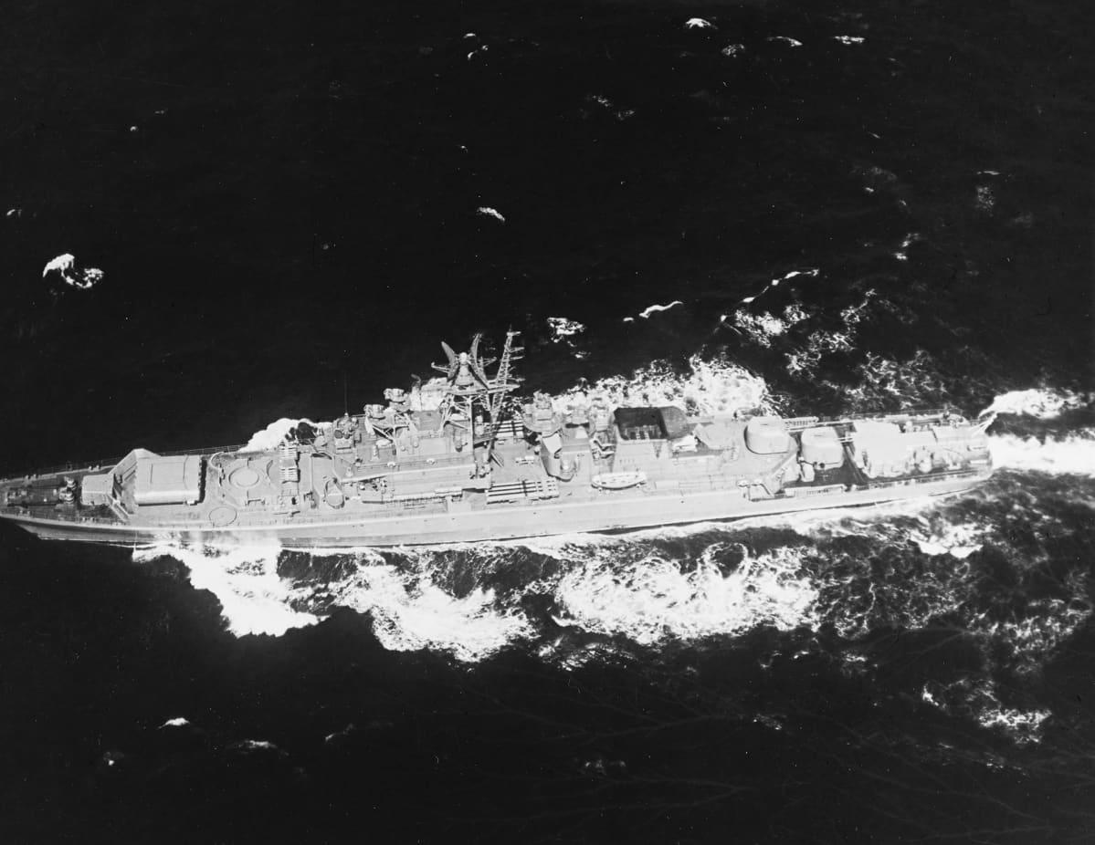 Fregatti Storoževoi kuvattuna Atlantilla helmikuussa 1975.
