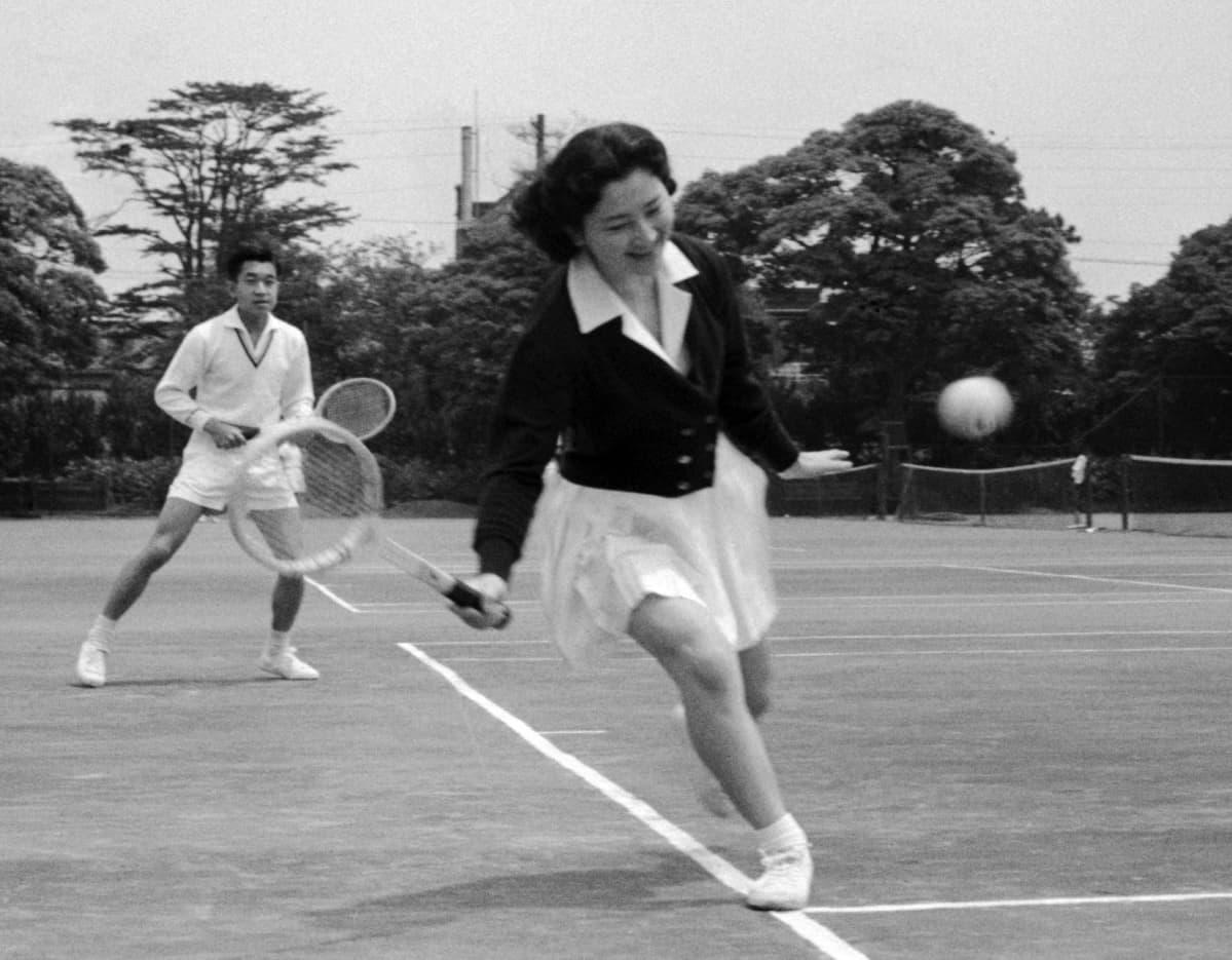 tennistä klubilla