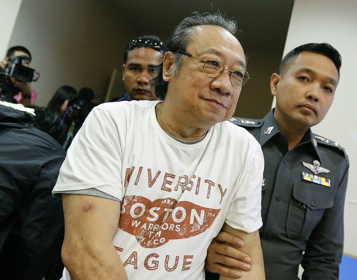 Poliisi pidätti Hasadin Uraipraiwanin.