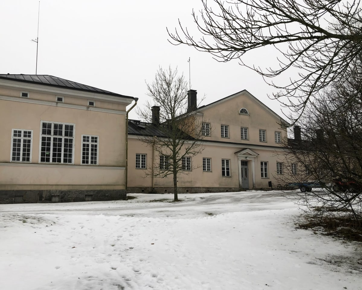Seilin sairaalan päärakennus, Saaristomeren tutkimuslaitos.