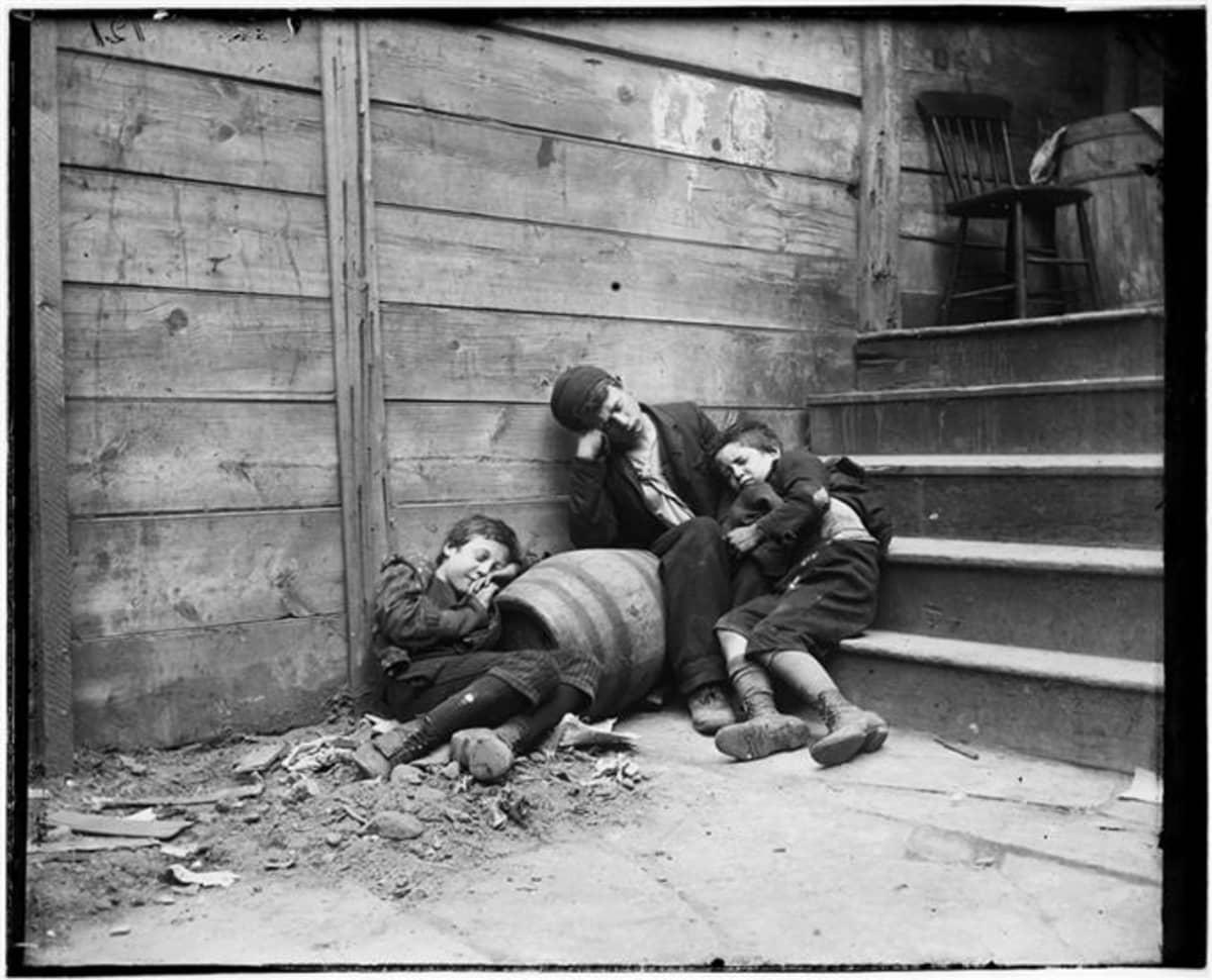 Kodittomia lapsia New Yorkissa 1800-luvulla.