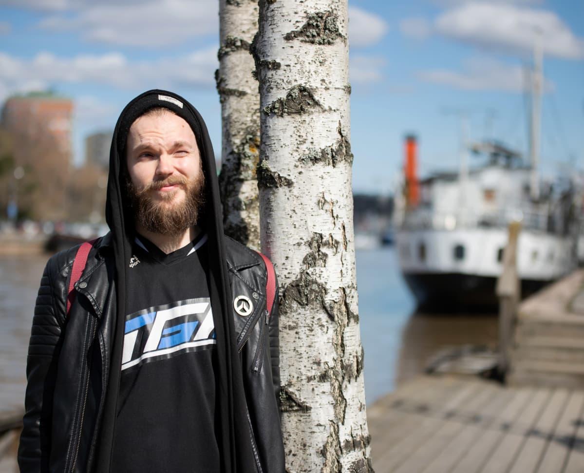 Turun kaupungin pelitoiminnasta vastaava nuoriso-ohjaaja Lauri Kuusela.