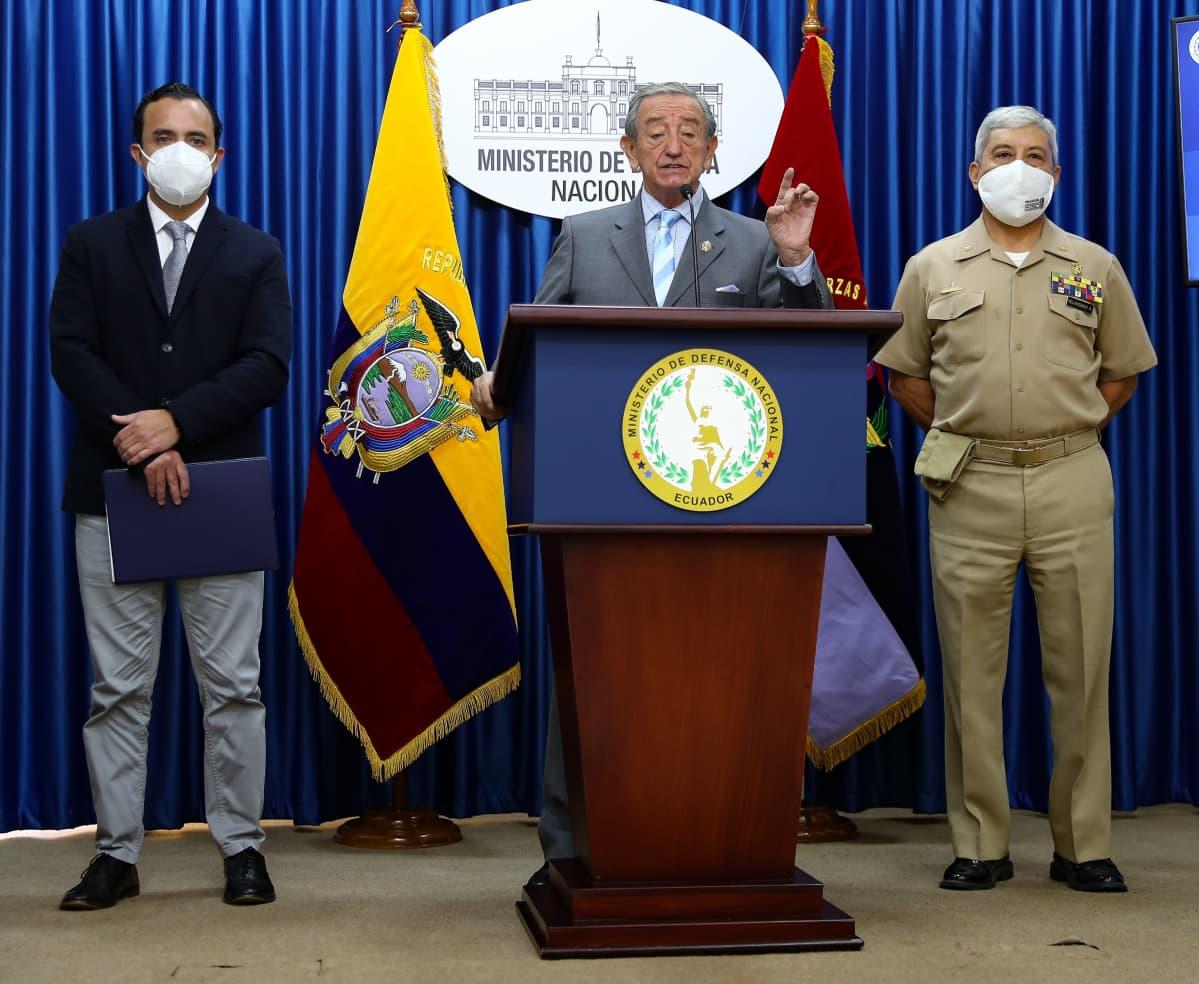 Ecuadorin puolustusministeri Oswaldo Jarrin