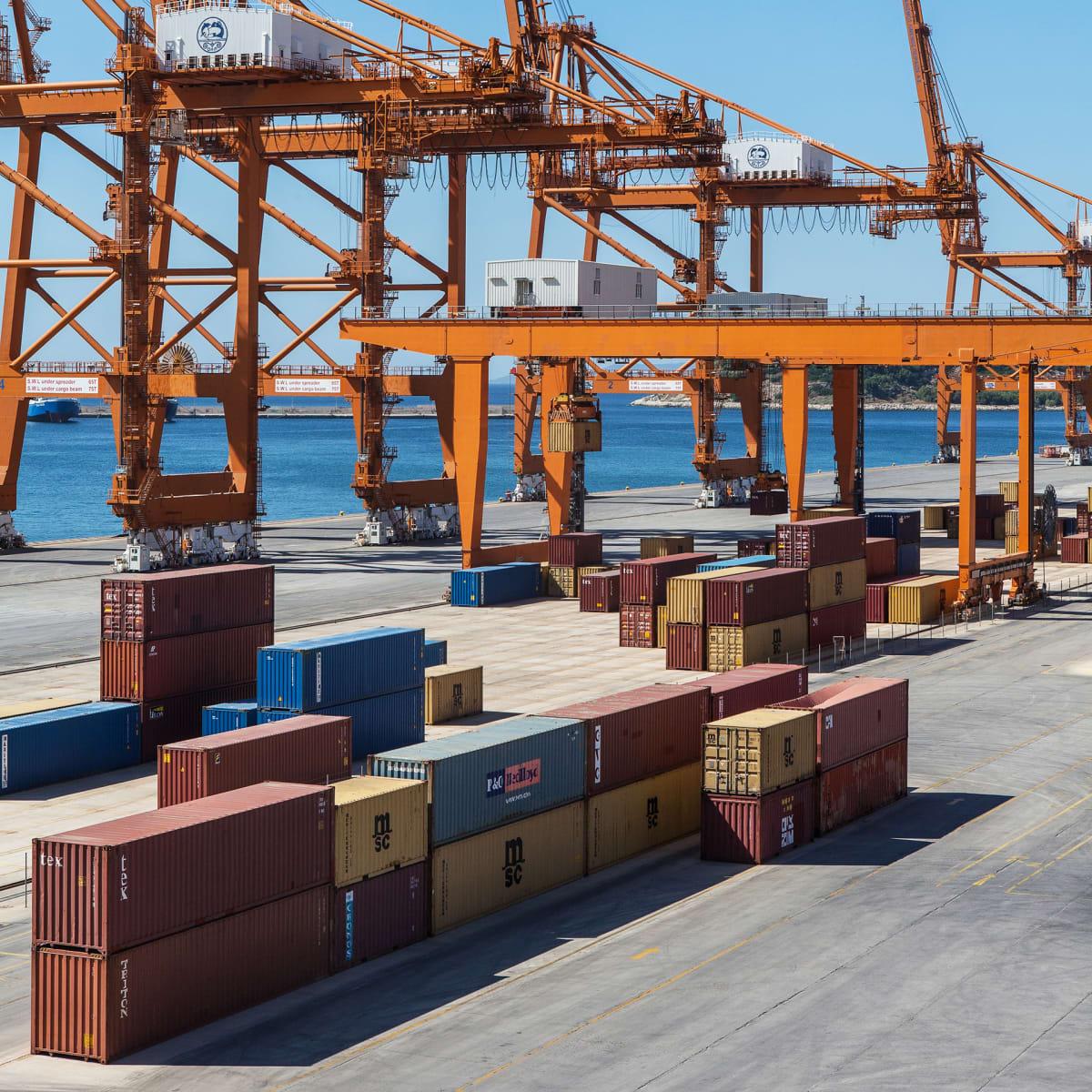 Pireuksen satama on Kiinan yksi tärkeimmistä porteista Eurooppaan.