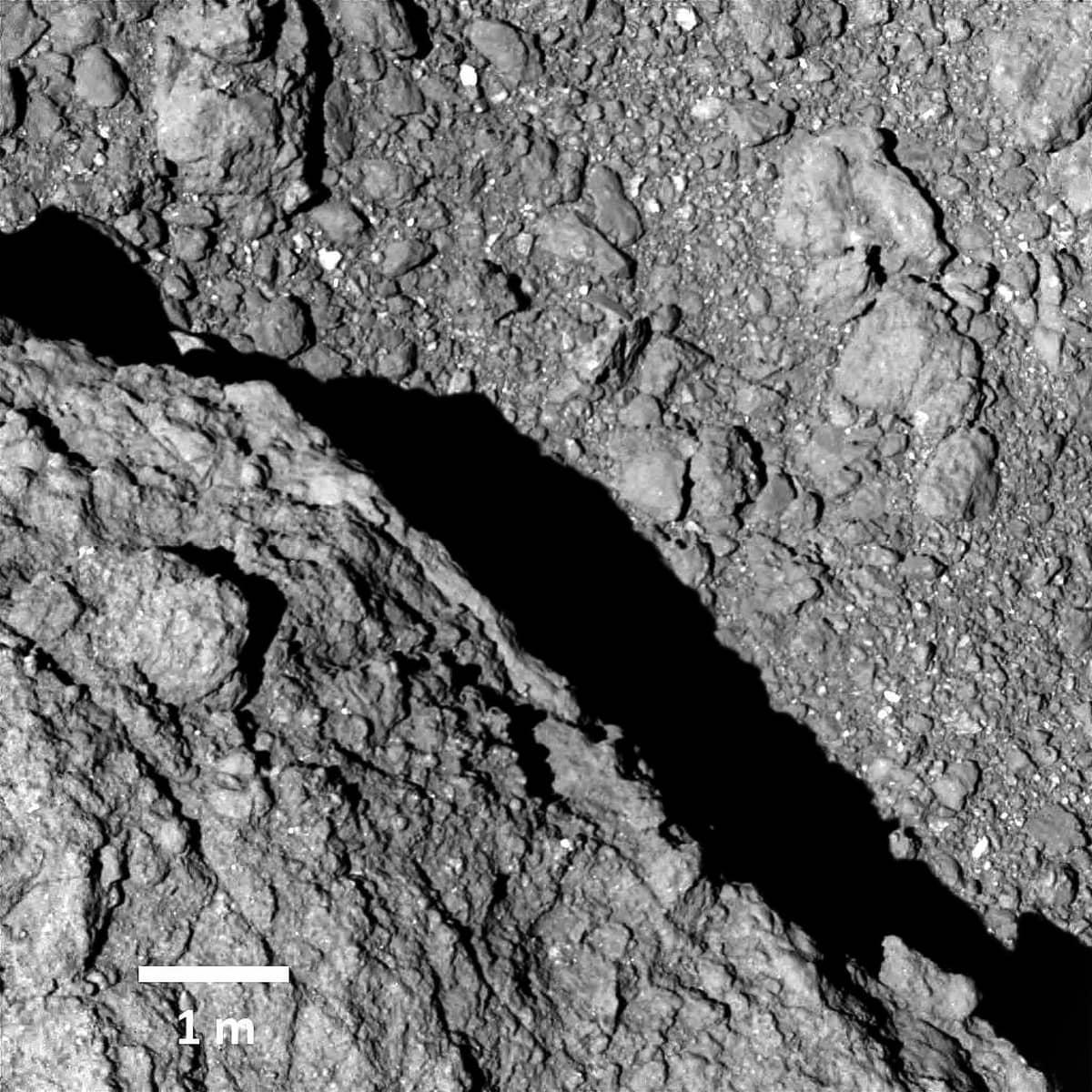 Ryugu asteroidin pintaa.