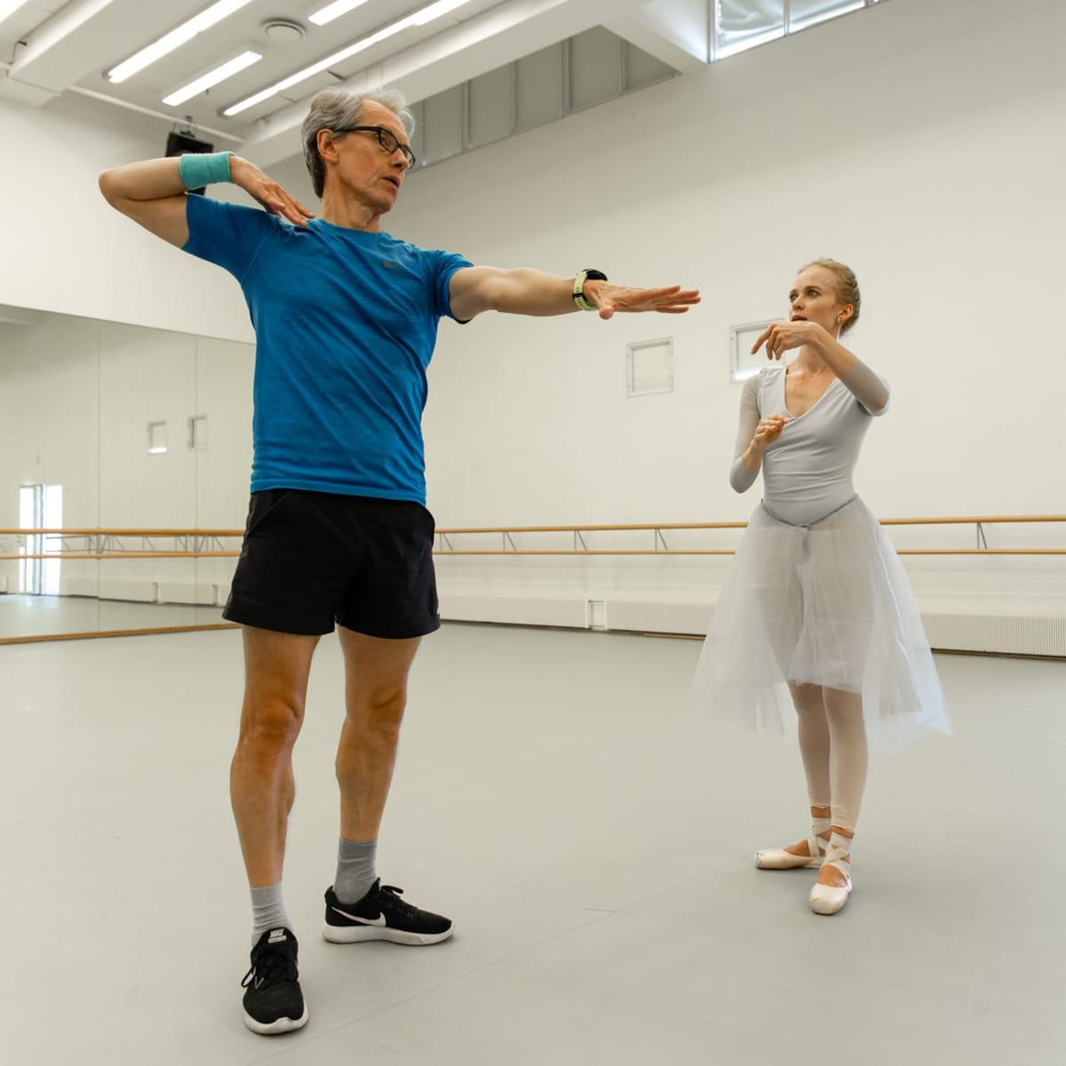 balettitanssija Elina Miettinen ja koreografi Jorma Elo