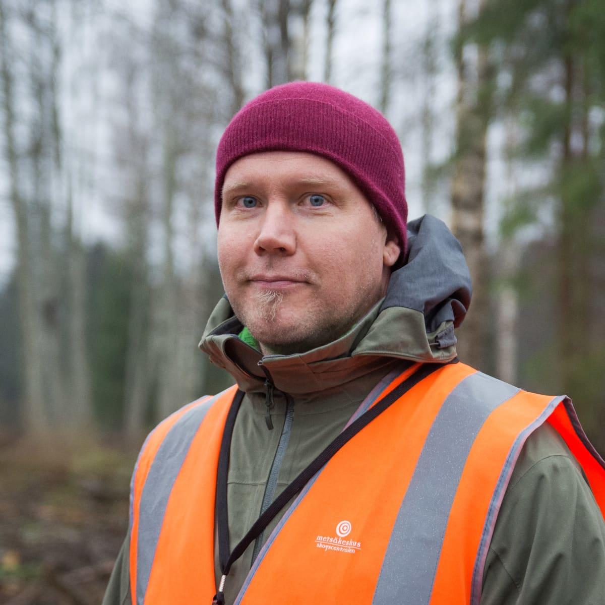 Projektipäällikkö Jyri Pääkkönen Metsäkeskuksesta.