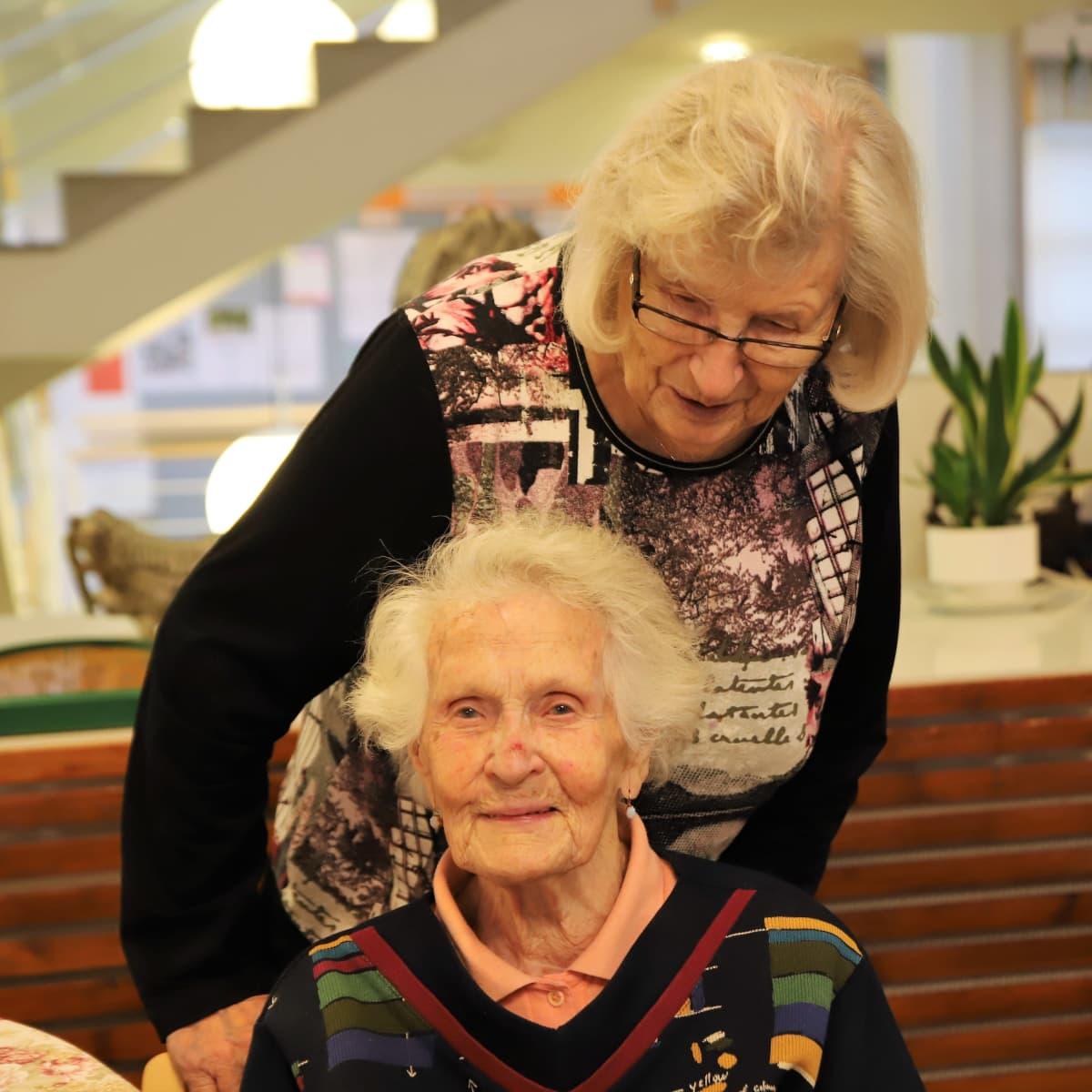 Katri ja Liisa
