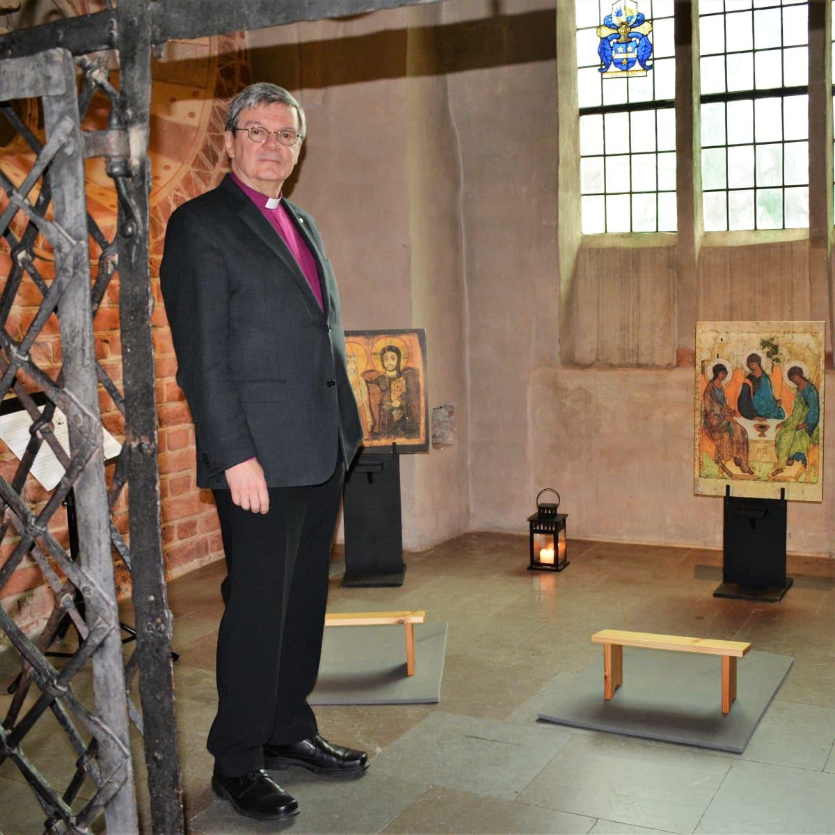 Turun piispa Kaarlo Kalliala Turun tuomiokirkon kappelissa