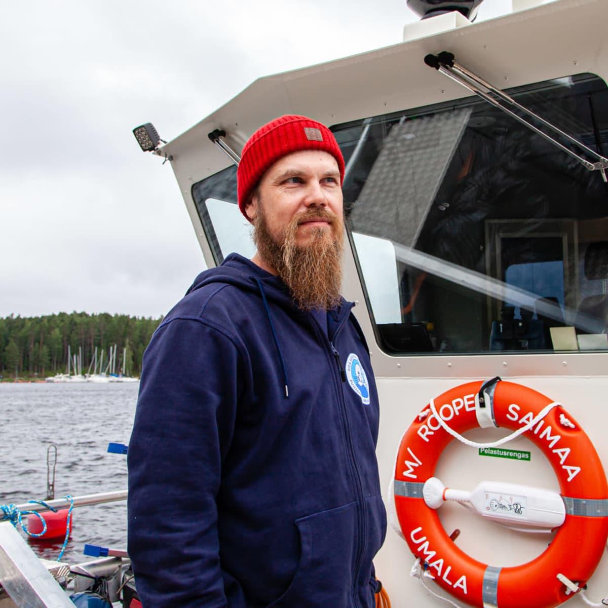 M/S Roope-Saimaan kapteeni Mikael Laine.