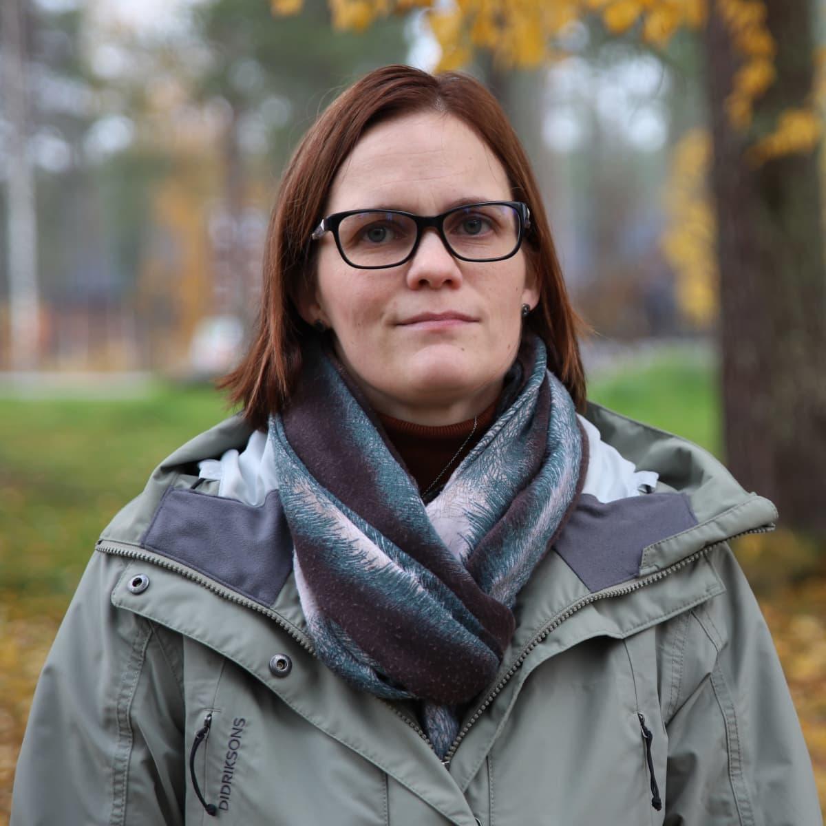 Ranuan Eläinpuiston asiakaspalveluvastaava Kati Saukko