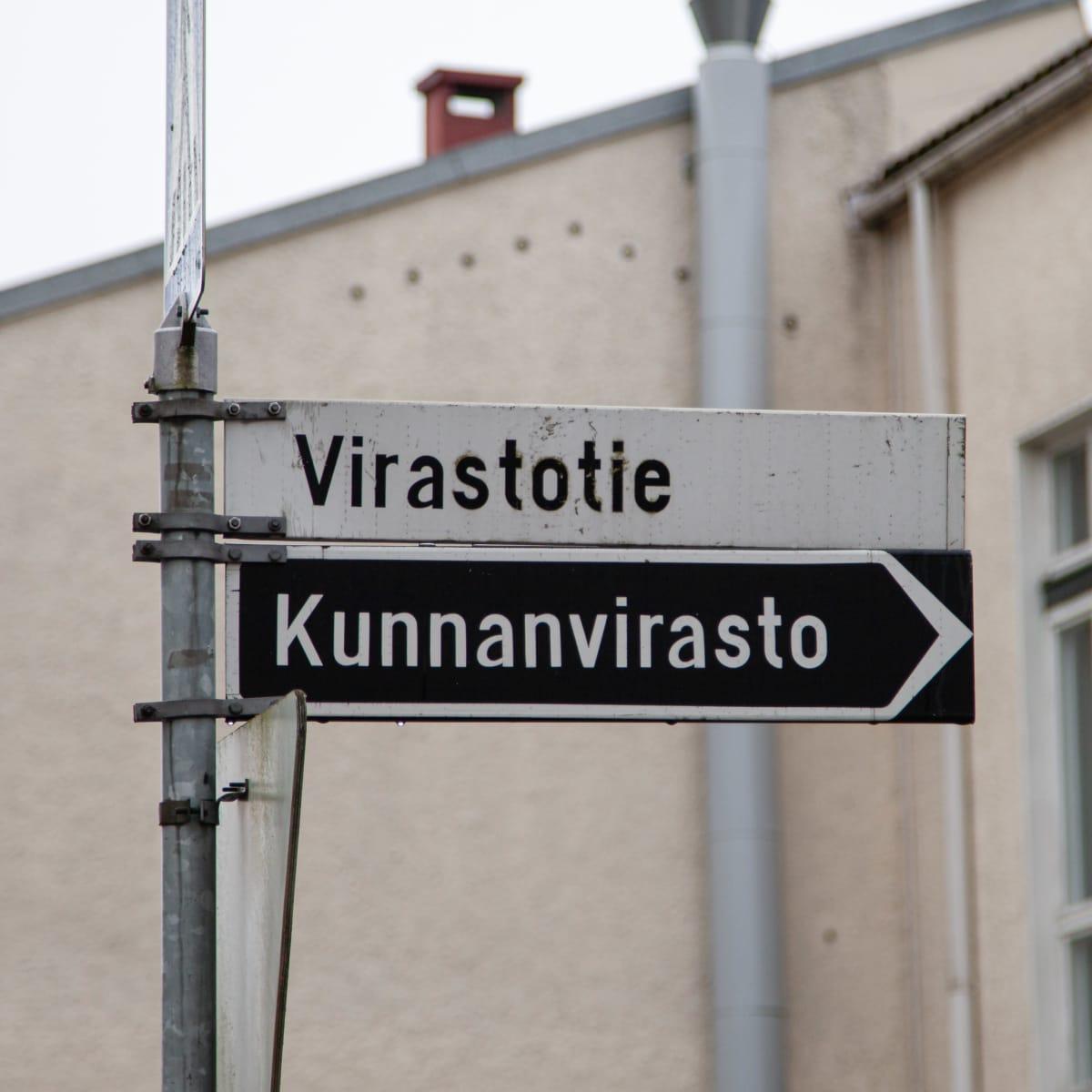 Tieviitta Ruokolahden kunnantalolle.