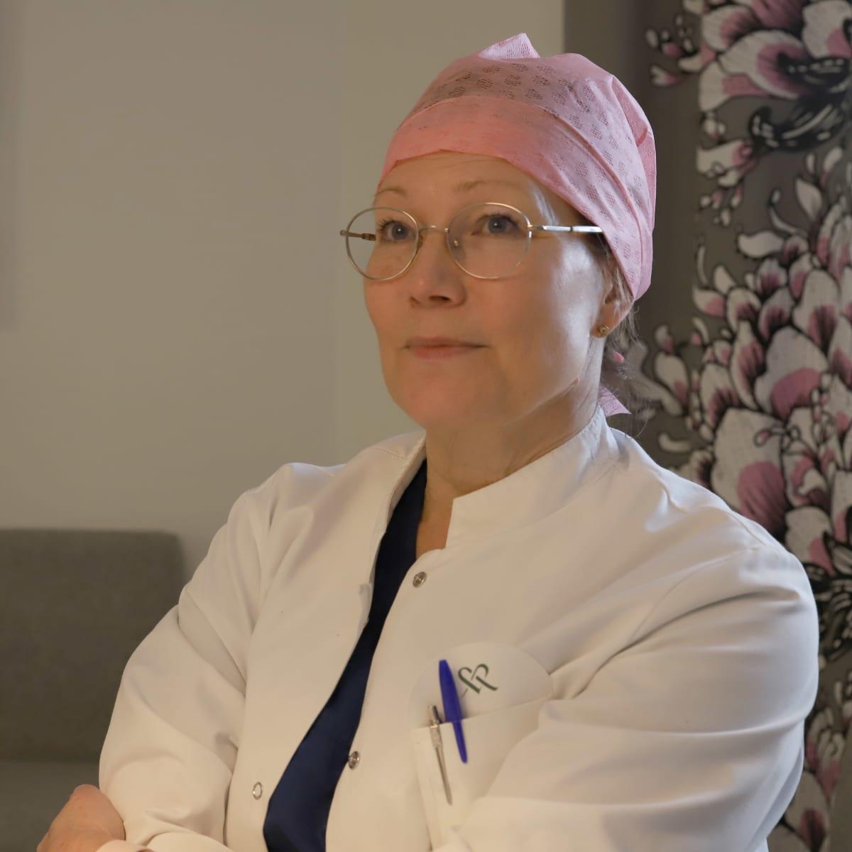 Länsi-Pohjan keskussairaalan synnytysosaston ylilääkäri Pia Vittaniemi