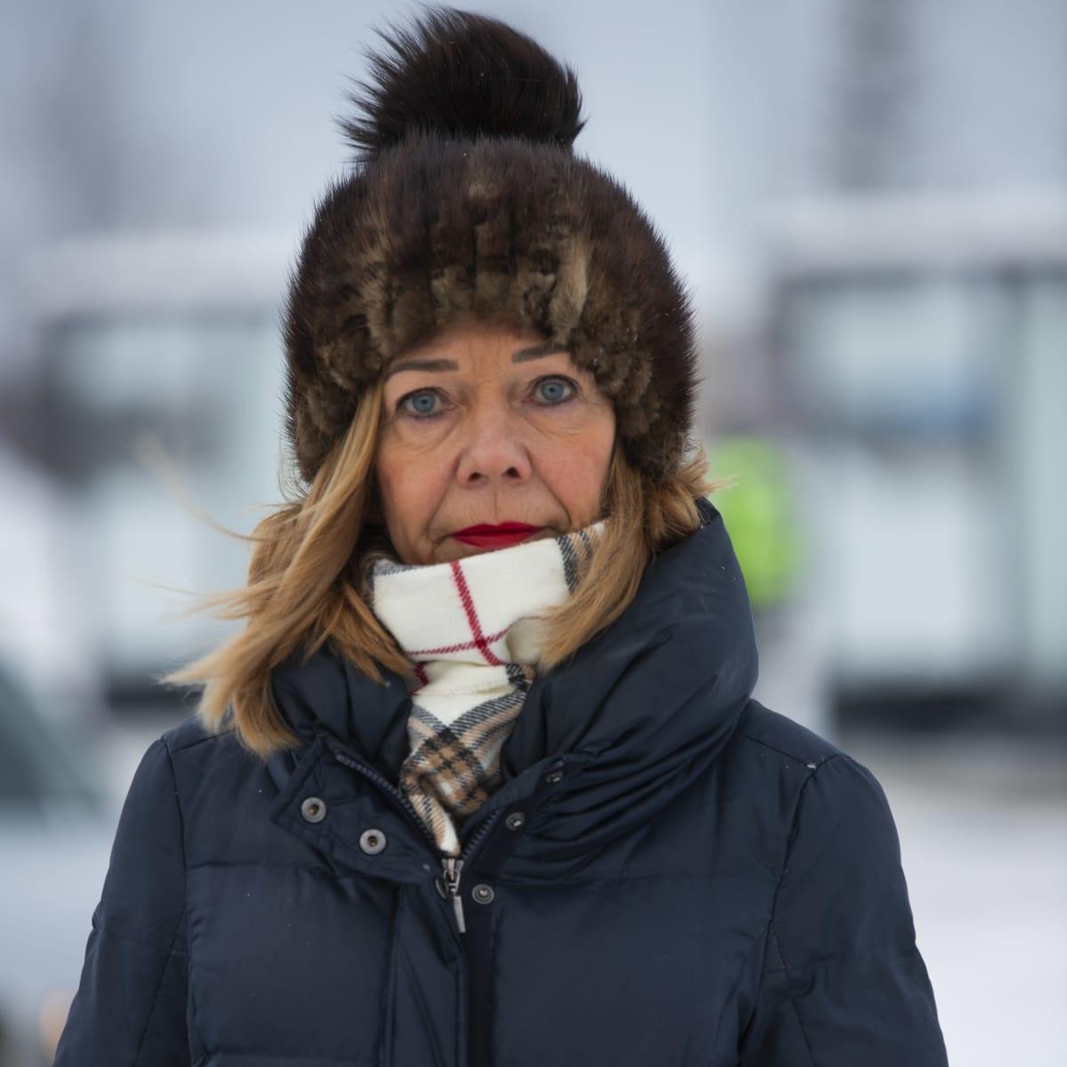 Pohjoiskalotin rajaneuvonnan koordinaattori Päivi Koivupalo Tornion ja Haaparannan rajalla