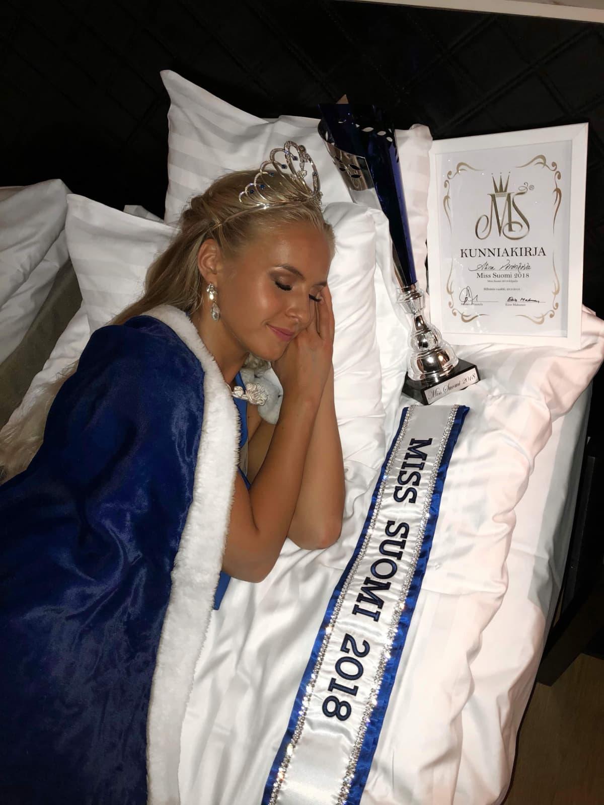 Enää Alina Voronkova ei suostu menettämään yöuniaan kiusaamisen vuoksi.