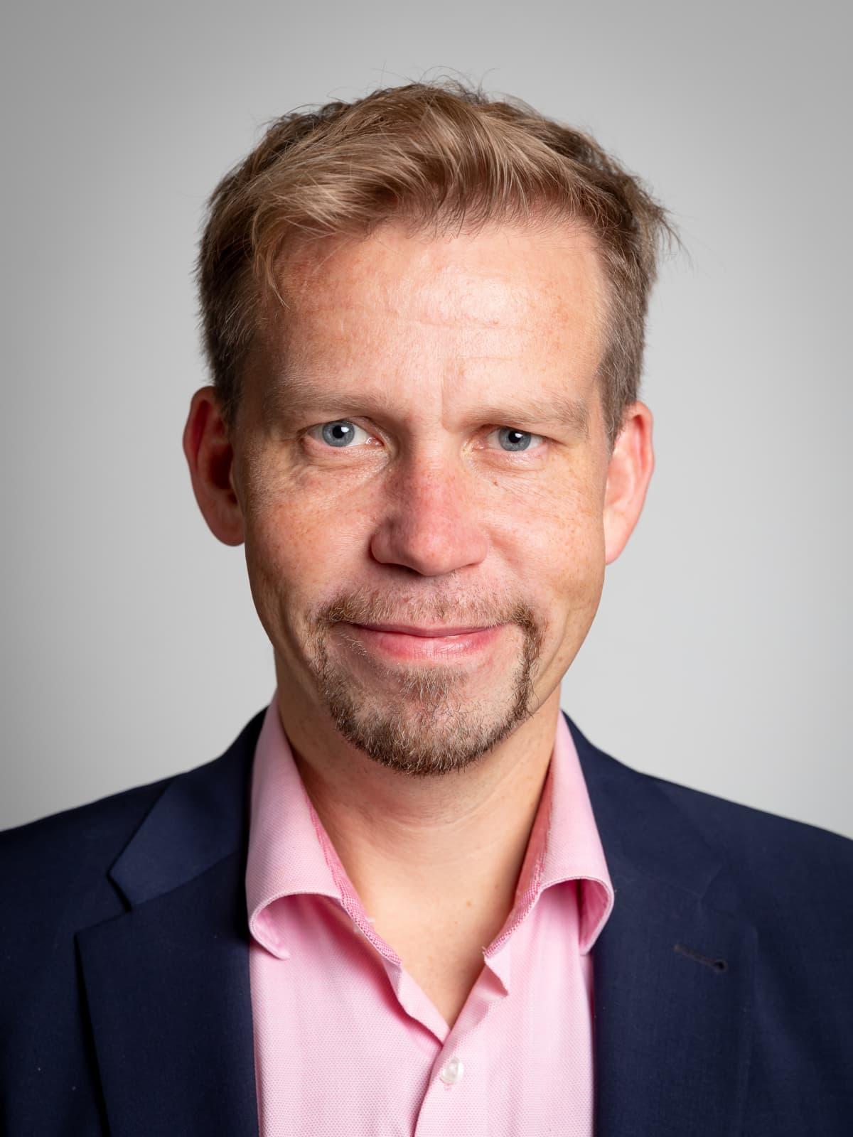 Turun yliopiston terveystaloustieteen professori Mika Kortelainen.