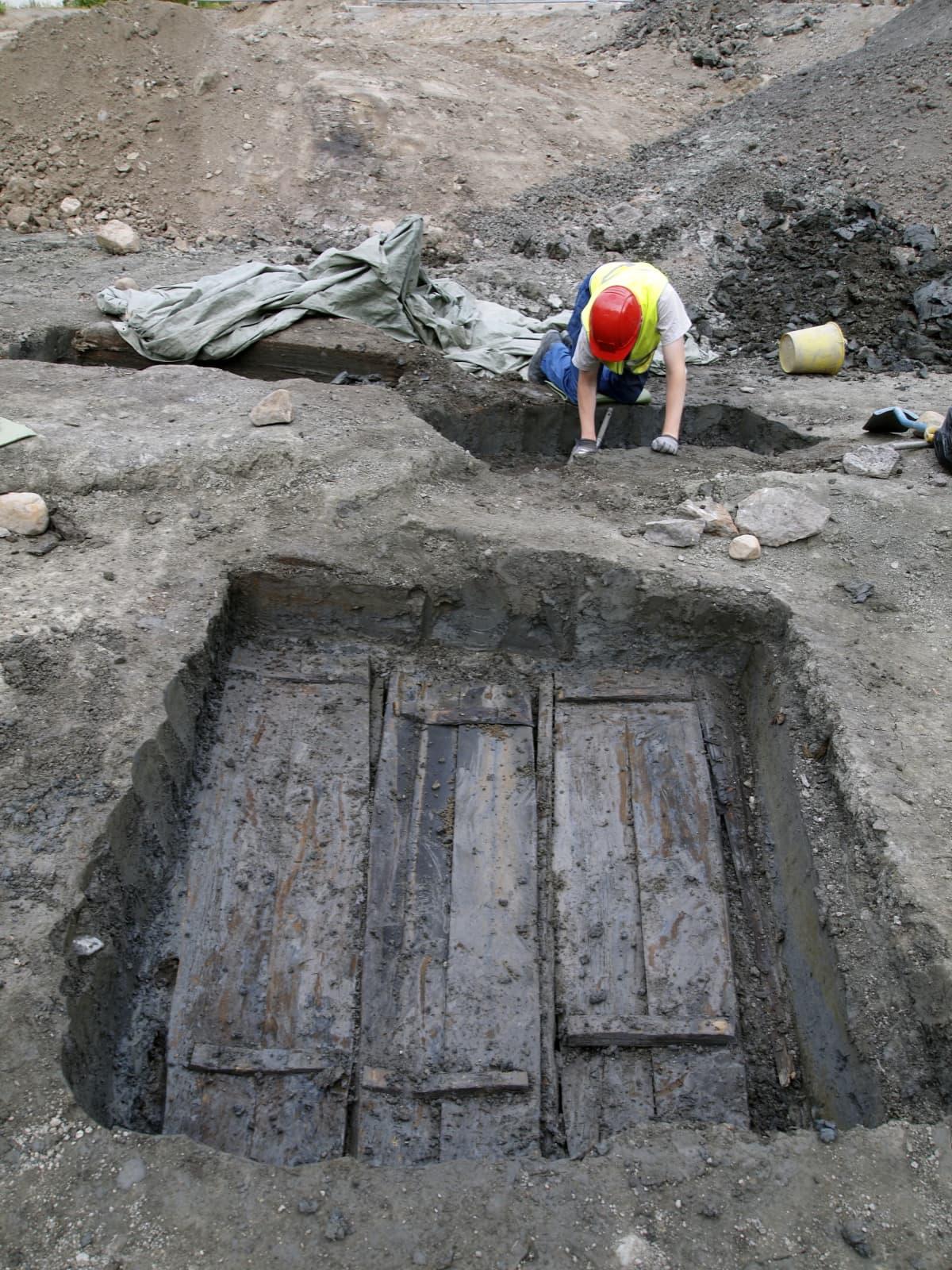 Arkeologiset kaivaukset Tallimäellä Turussa.