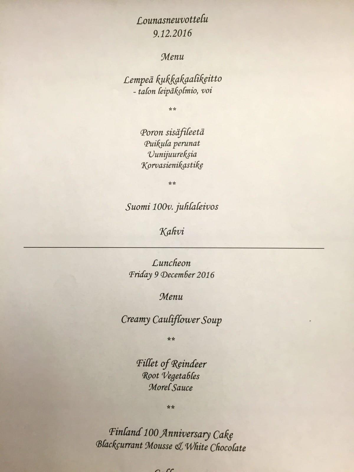 Venäjän pääministeri Dmitri Medvedeville tarjottavan lounaan ruokalista.