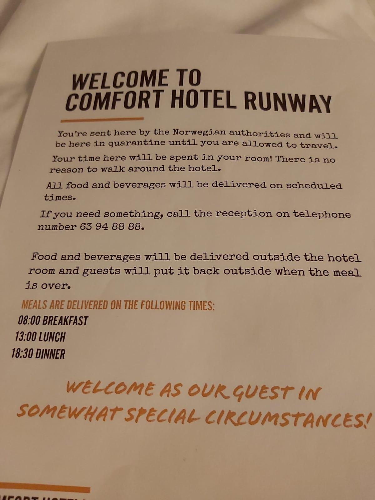 Karanteenihotellin ohjeistus Oslossa.