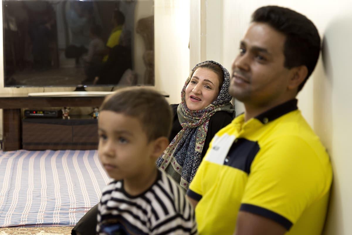 Fateme Sadeghi  on huolissaan lastensa tulevaisuudesta.