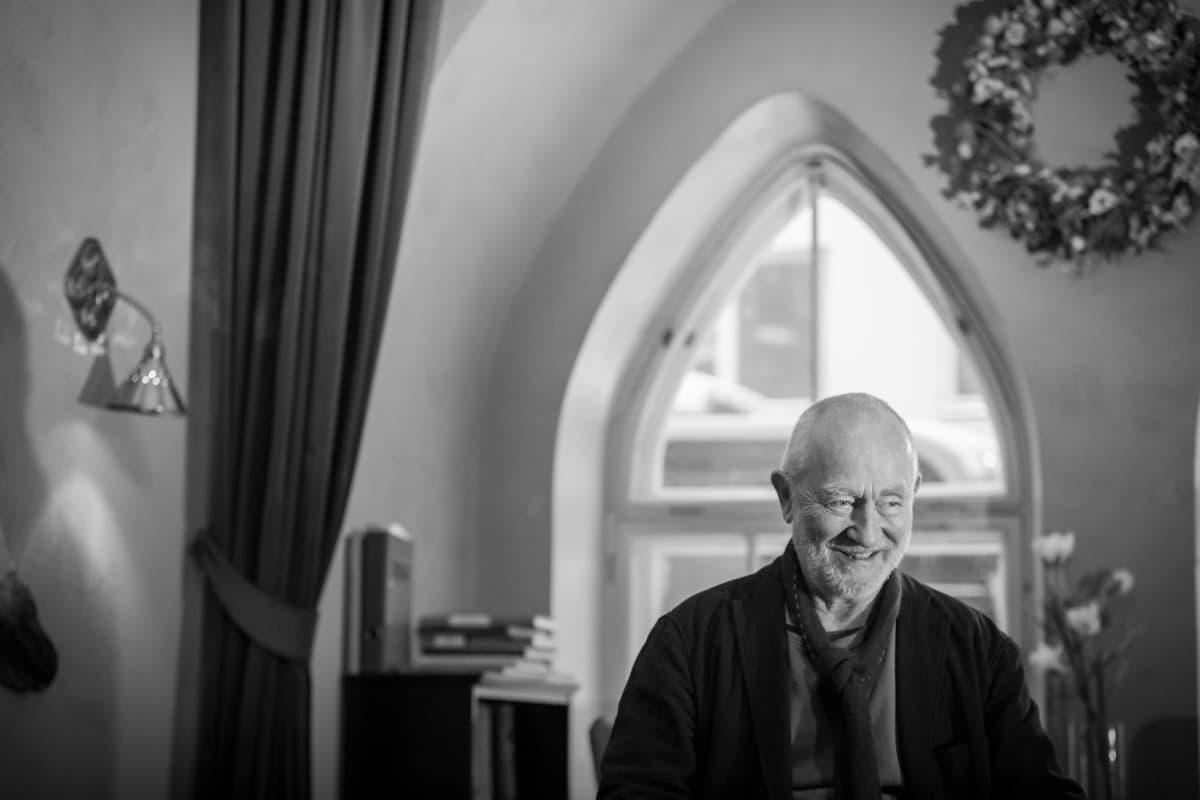 Sveitsiläinen arkkitehti Peter Zumthor