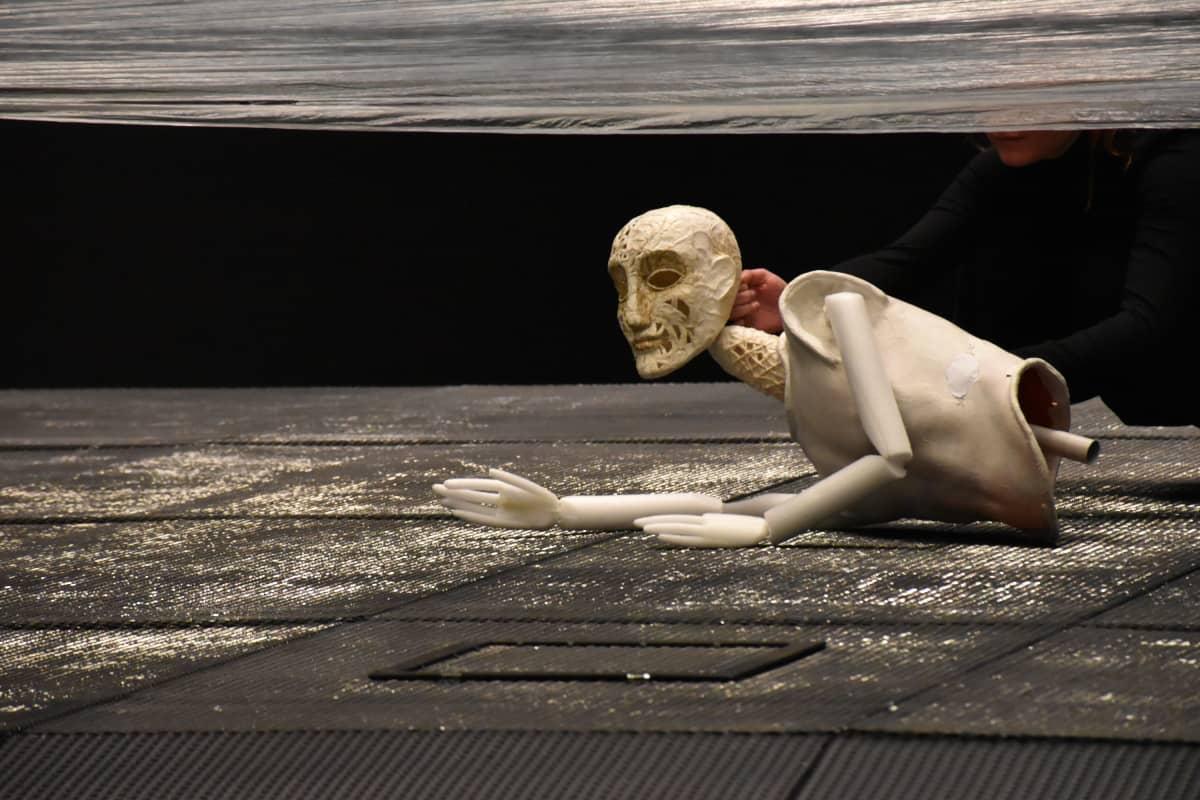 nuken torso lavalla