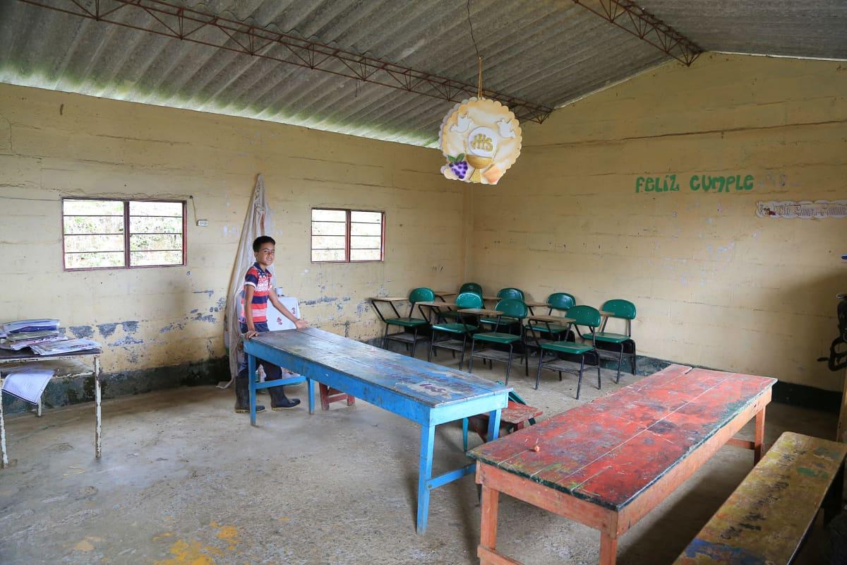 melkein tyhjä koululuokka