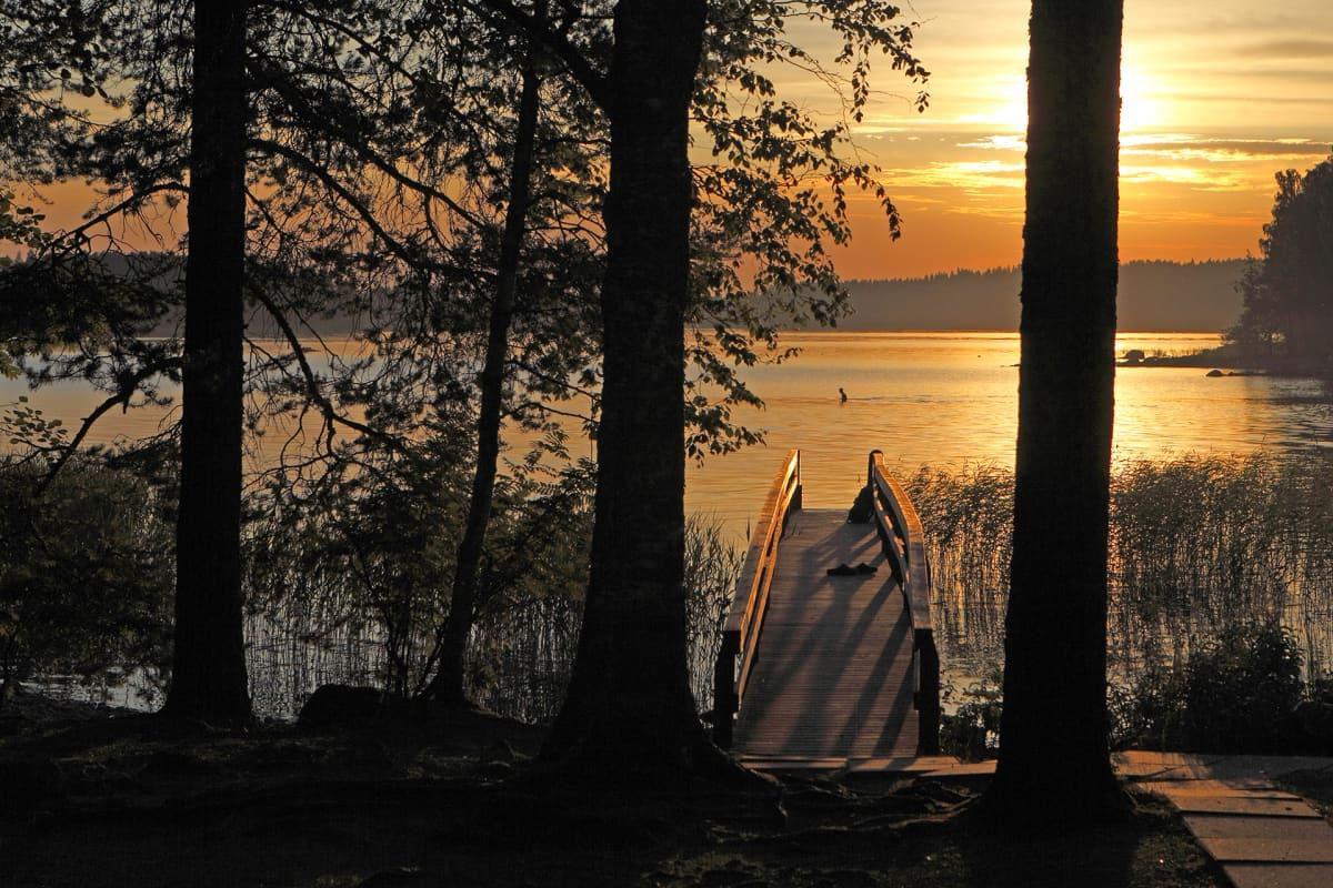 Näkymä mökiltä järvelle.