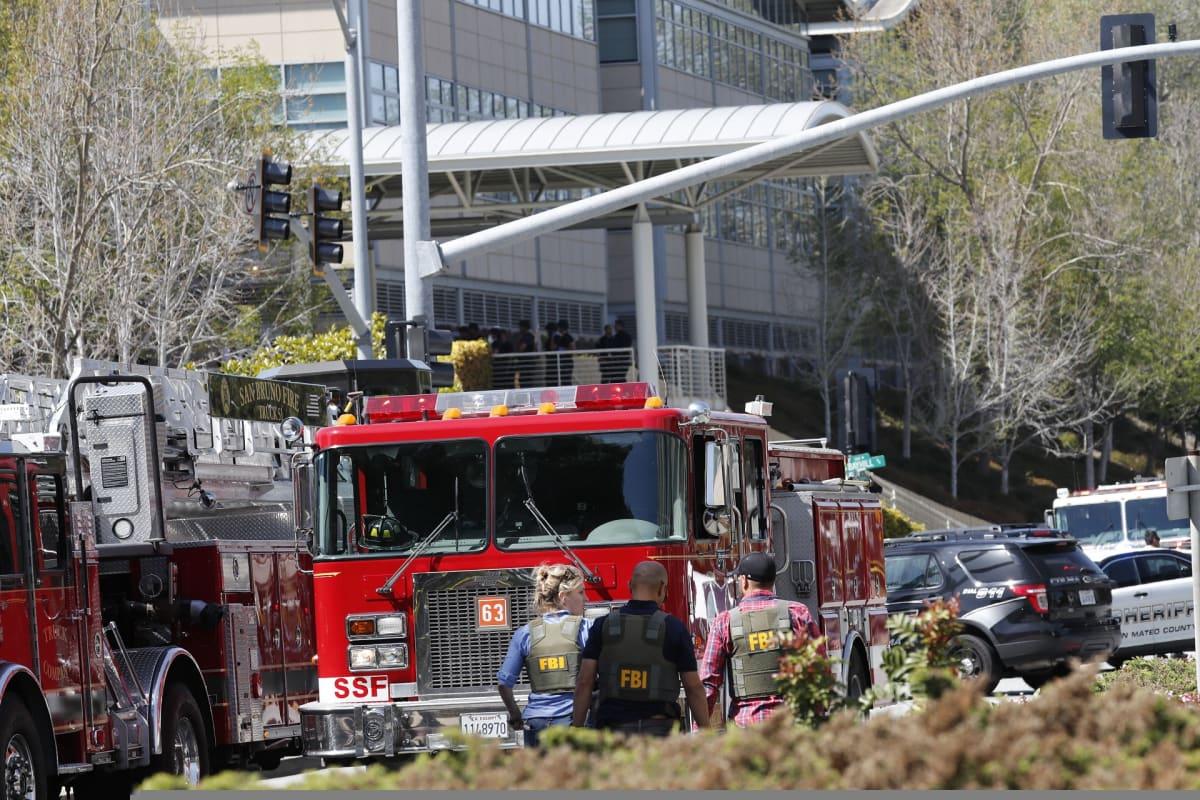 Naisen epäillään avanneen tulen YouTuben pääkonttorilla Kaliforniassa, useita loukkaantui ja epäilty nainen itse kuoli.