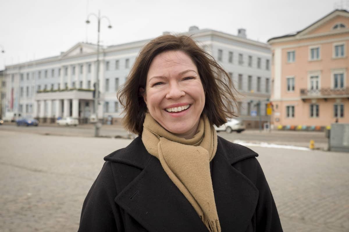 Helsingin kaupunkiympäristöstä vastaava apulaispormestari Anni Sinnemäki (vihr.)