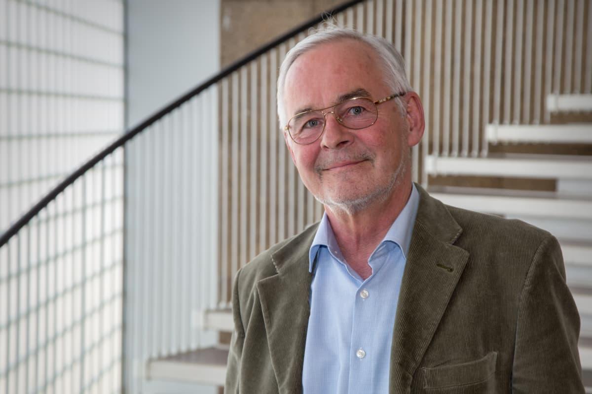 siviilioikeuden emeritusprofessori, Helsingin yliopisto