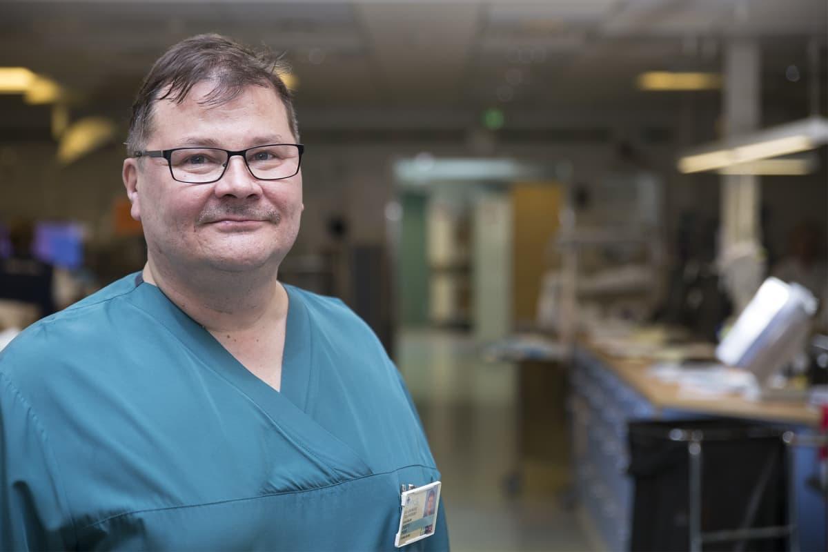 Pertti Peräjä, anestesiologian ylilääkäri, Meilahden sairaala.