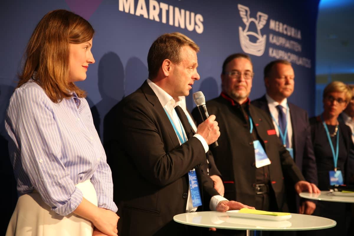 Helsingin pormestari Jan Vapaavuori uskoo, että sote- ja maakuntauudistus ei mene eduskunnassa läpi tiistaisen jättivaltuuston tyrmäävän päätöksen jälkeen.