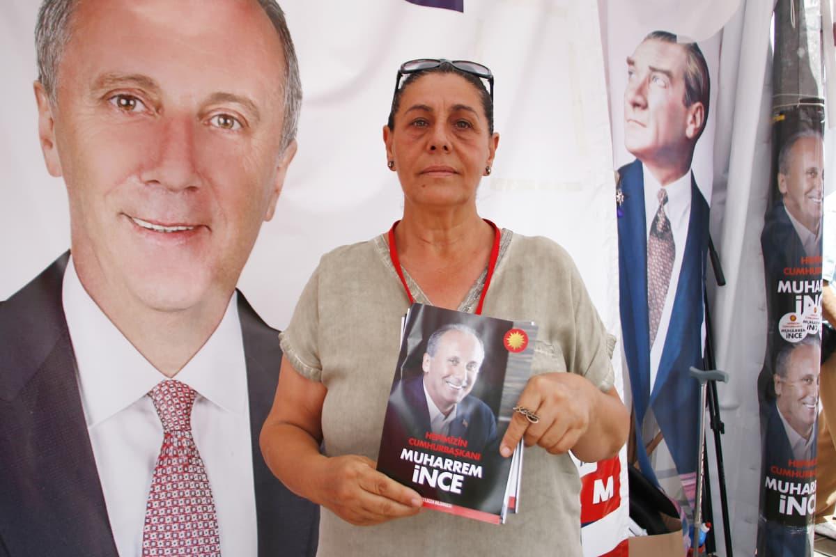 Opposition Muharrem Ince on luvannut yhdistää jakautunutta Turkkia, mikä on syy siihen, että istanbulilainen Nazli özhan tukee häntä.