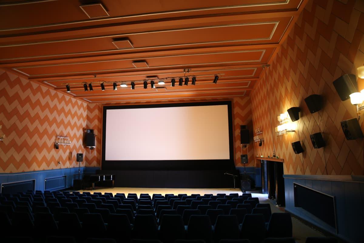 Loviisassa sijaitseva Kino Marilyn -elokuvateatteri.