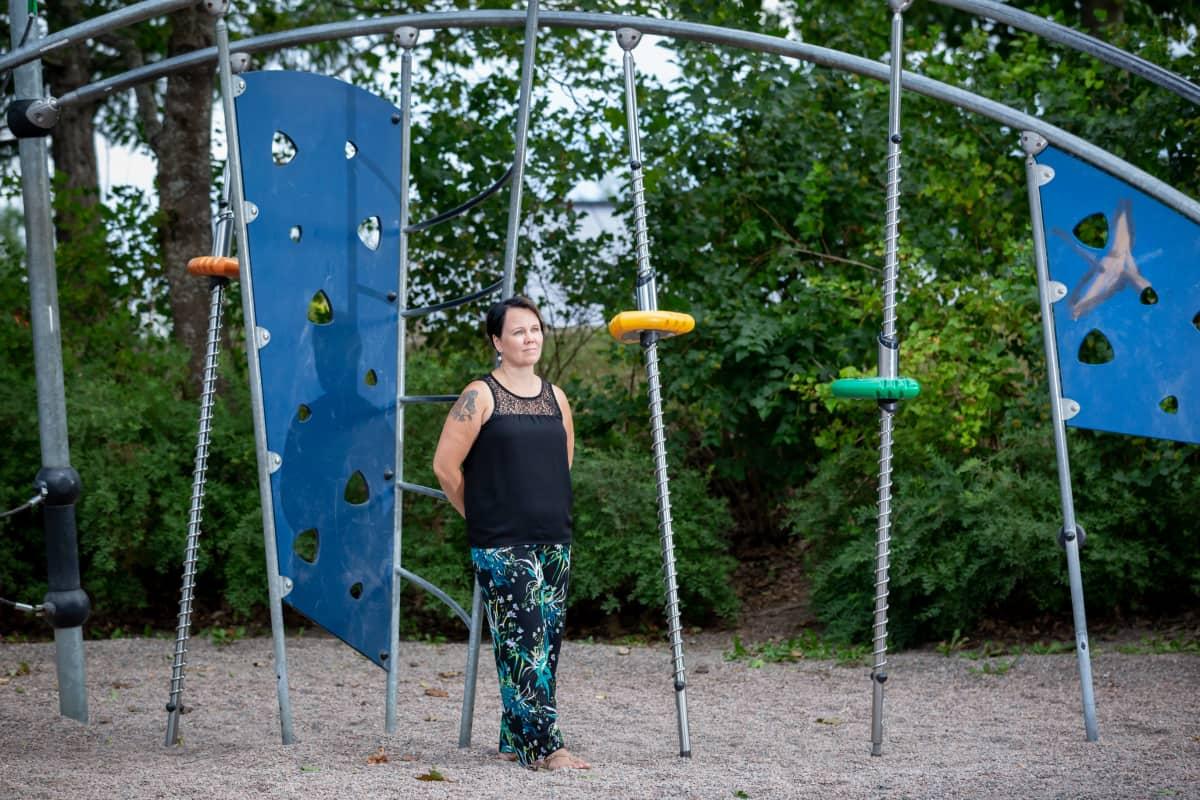 Lastenhoitaja Katja Tuomi