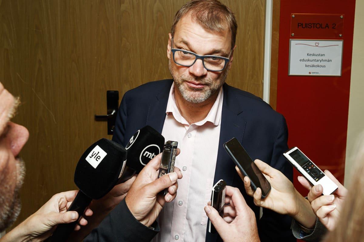 Puheenjohtaja, pääministeri Juha Sipilä keskustan eduskuntaryhmän kesäkokouksessa Vantaalla 22. elokuuta.