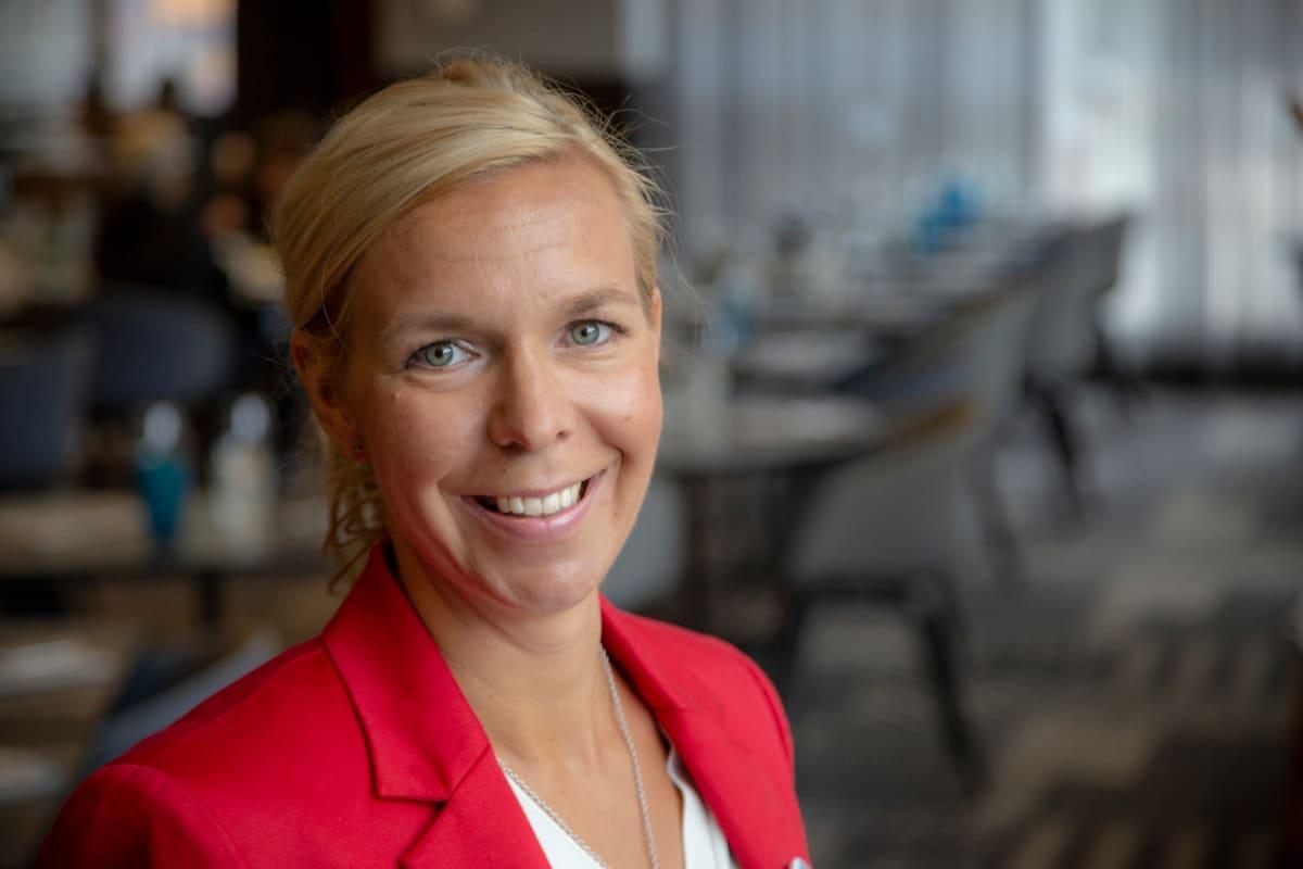 Hotelliketju Scandicin henkilöstöpäällikkö Emilia Sarkia.