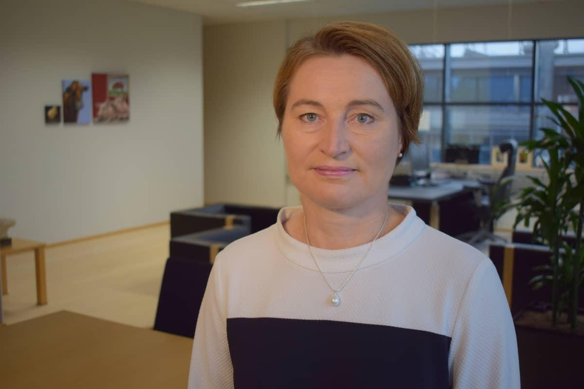 Johtaja Pia Nybäck HK Scanilta.
